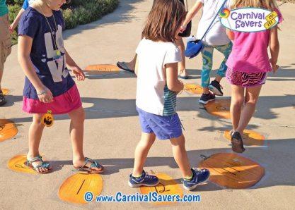FALL-GAMES pumpkin-patch-walk-fall-festival-game-idea