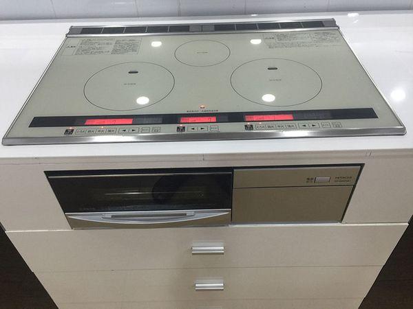 Bếp từ Hitachi HT-L8STWF đã lắp đặt