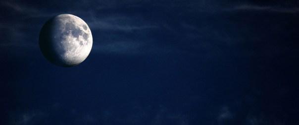 «Θλιμμένο ή μπλε φεγγάρι»: Το Σάββατο η δεύτερη σπάνια πανσέληνος του Οκτωβρίου