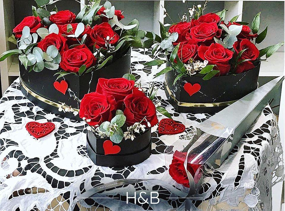 vörös rózsa virág boxok több méretben