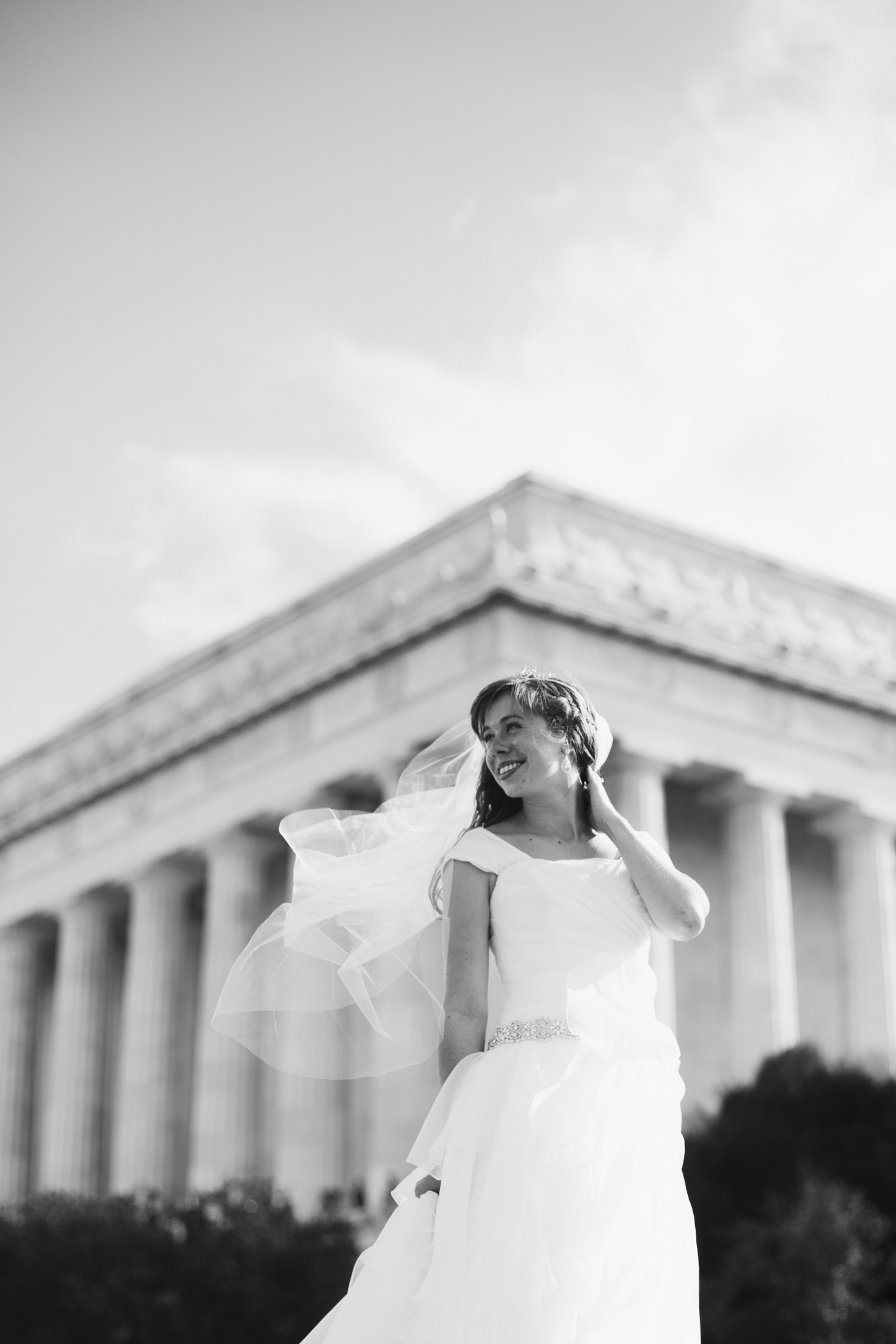 washington dc, lincoln memorial wedding photos, couple portraits, bride
