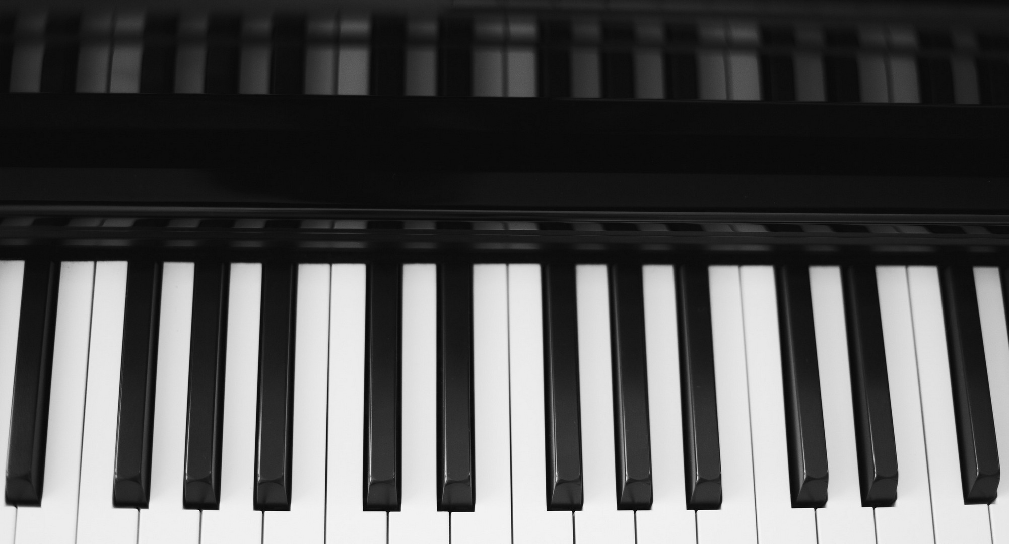 piano keyboard (black and white)