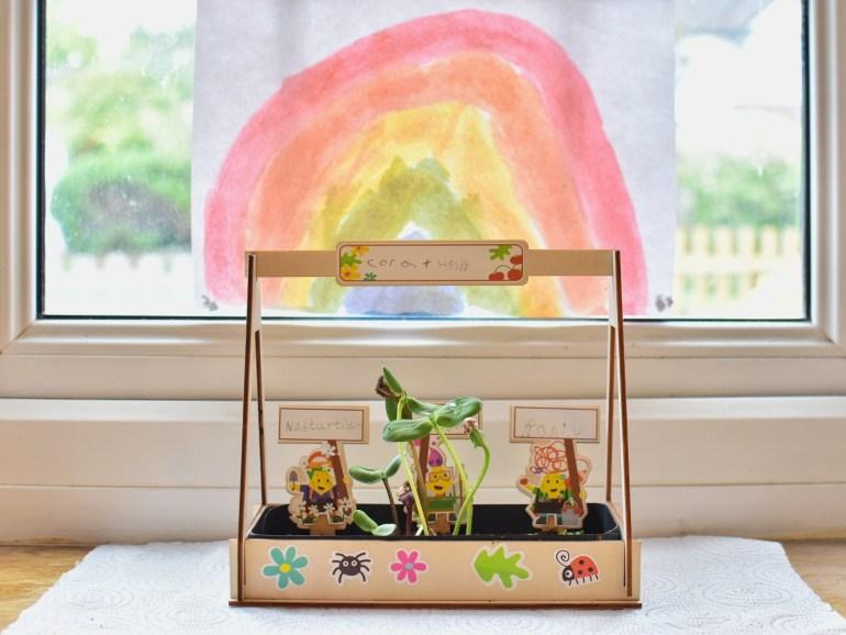 Greenhouse activity toucanBox craft kit