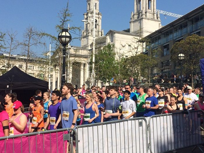 people lined up for leeds half marathon