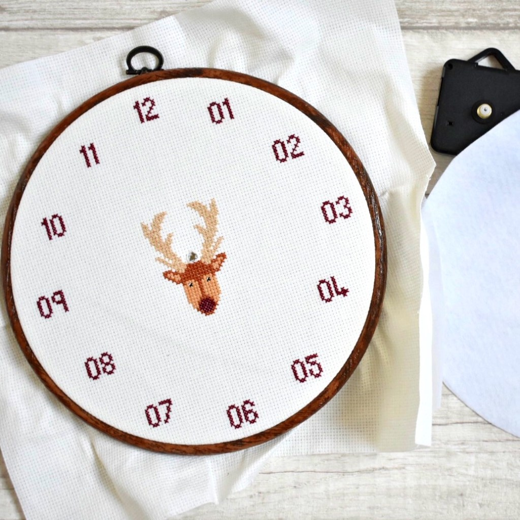 how-to-make-a-cross-stitch-clock