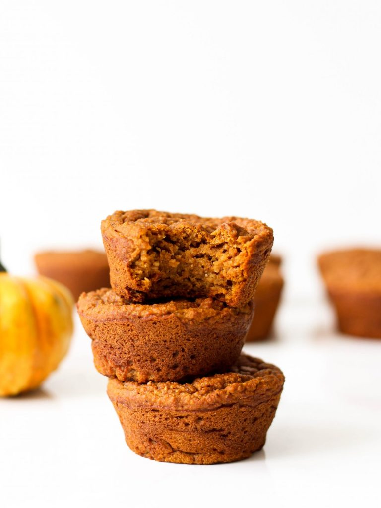A simple and healthy, gluten-free pumpkin muffins recipe that will bring you all the cozy fall feelings.