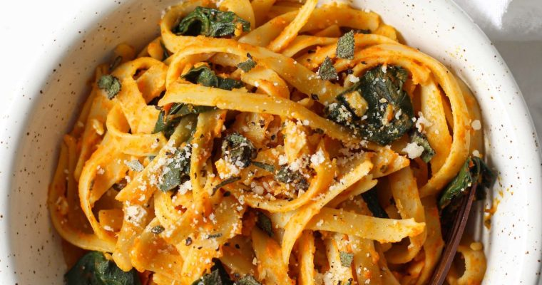 Healthy Pumpkin Pasta with Spinach