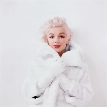 hbz-marilyn-winsome-in-white-fur-ny-1955-milton-h-greene-archive-images