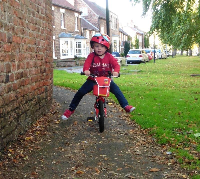 learn to ride a bike isla bike