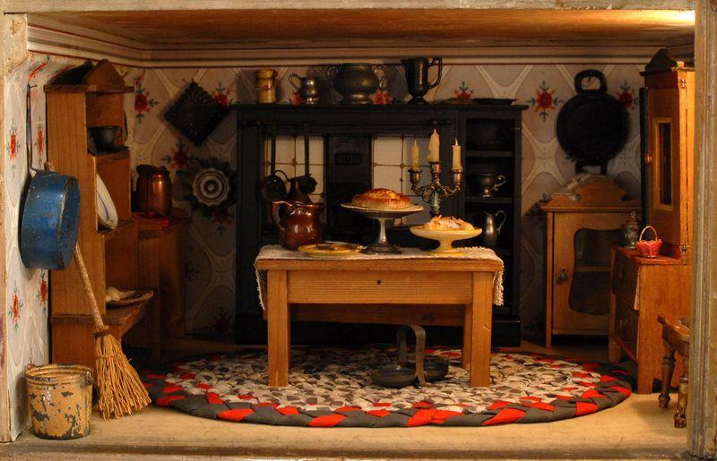 concernyekz  vintage dollhouse dolls
