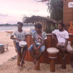 Swing Chair Sri Lanka Spandex Covers Vs Polyester Friendship Beach Bar And Restaurant Hannah