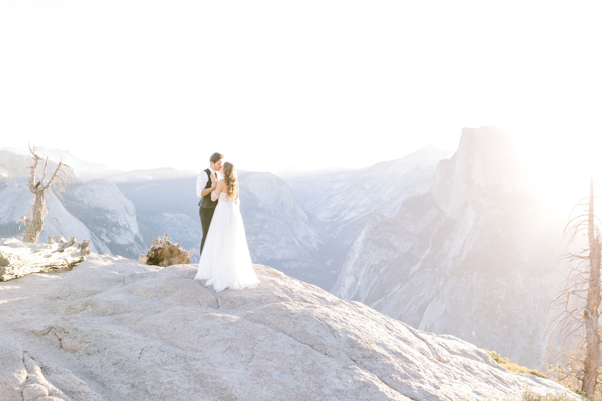 Hannah Way Photography - Dallas wedding photographer - luxury weddings - luxury wedding photographer - dfw wedding photographer - best wedding photographer - Dallas best wedding photographer - elopement - elopement wedding photographer - elopement Wedding - Yosemite - Yosemite elopement - Yosemite elopement photographer - destination wedding photographer - glacier point - glacier point Yosemite