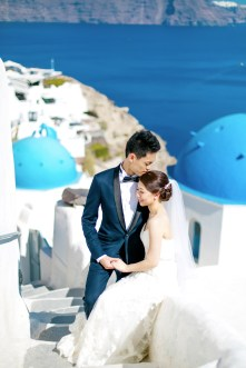 Professional Santorini wedding photoshoot