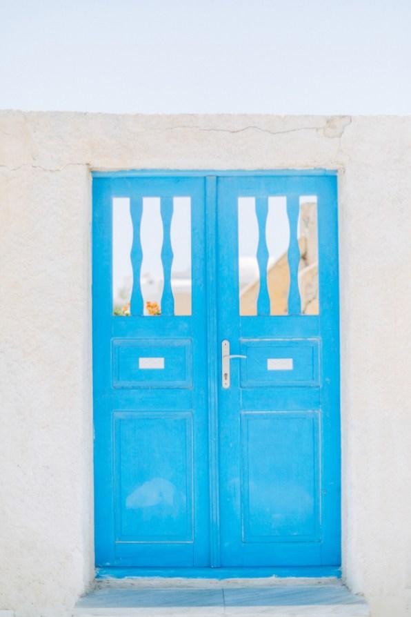 Santorini-wedding-day-portrait-photoshoot0089