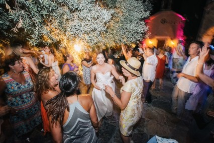 Soaringly Georgeous Wedding in Cretan Province_0136