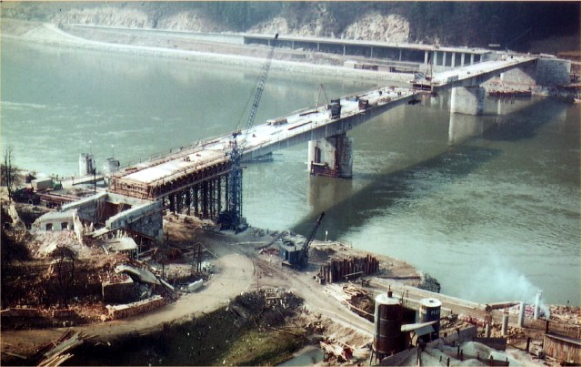 Donaubrücke-Neubau1967-2