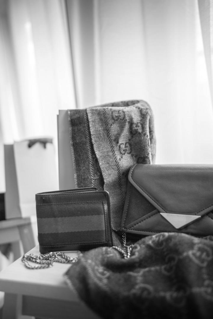 Schwarz/Weiß // Nachhaltigkeit: Luxusmode der Marken Gucci und Stella McCartney im Blick