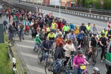 hannovercyclechic Radfahrer auf Suedschnellweg 1