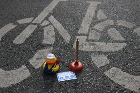 Pömpel und Pedale Eine PlatzDa!-Aktion für mehr Sicherheit Ente, Sticker, kleiner Pömpel