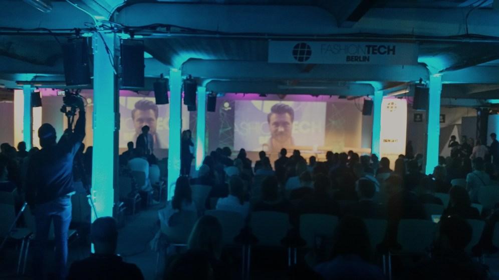 Blick in die Fashiontech-Konferenz der Premium Berlin im Kühlhaus.