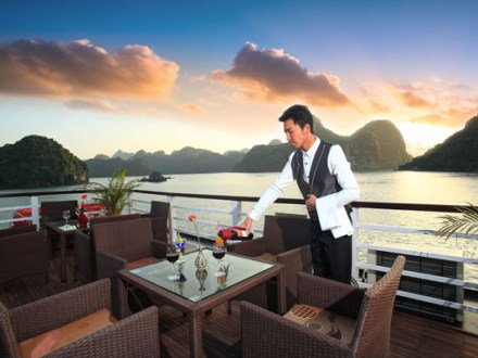 visit halong bay glory legend cruise