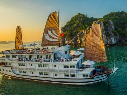 Tour Halong Bay Bhaya Classic Cruise