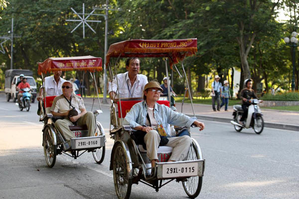 travel hanoi cyclo tour