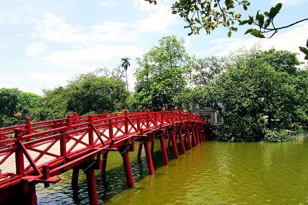 travel hanoi ngoc son temple