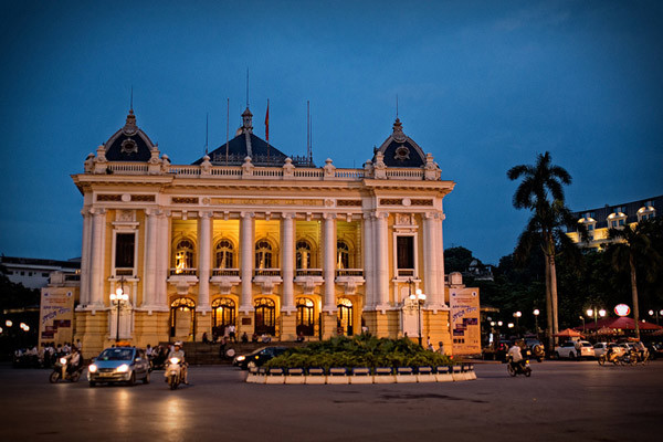 travel hanoi opera house