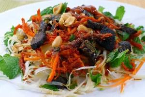 Nộm Bò Khô (Green Papaya Salad with Dried Beef)