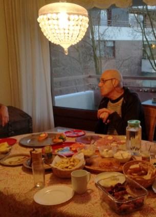 Hans Weihnachten 2017 bei Omi 26.12.17Ausschnitt