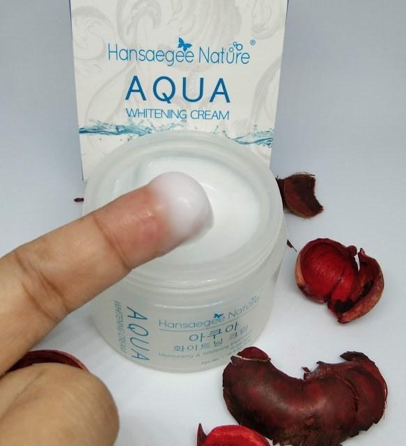 Aqua Whitening Cream mempunyai tekstur yang lembut dan smooth