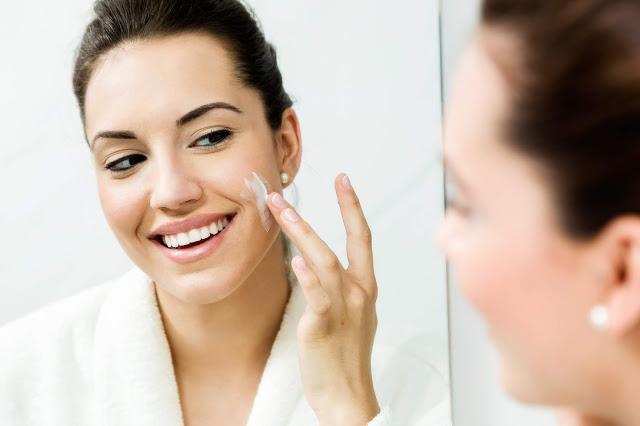 Tips memilih pelembab untuk kulit berminyak - Water based moisturizer