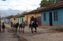 trinidad-streets-and-horses