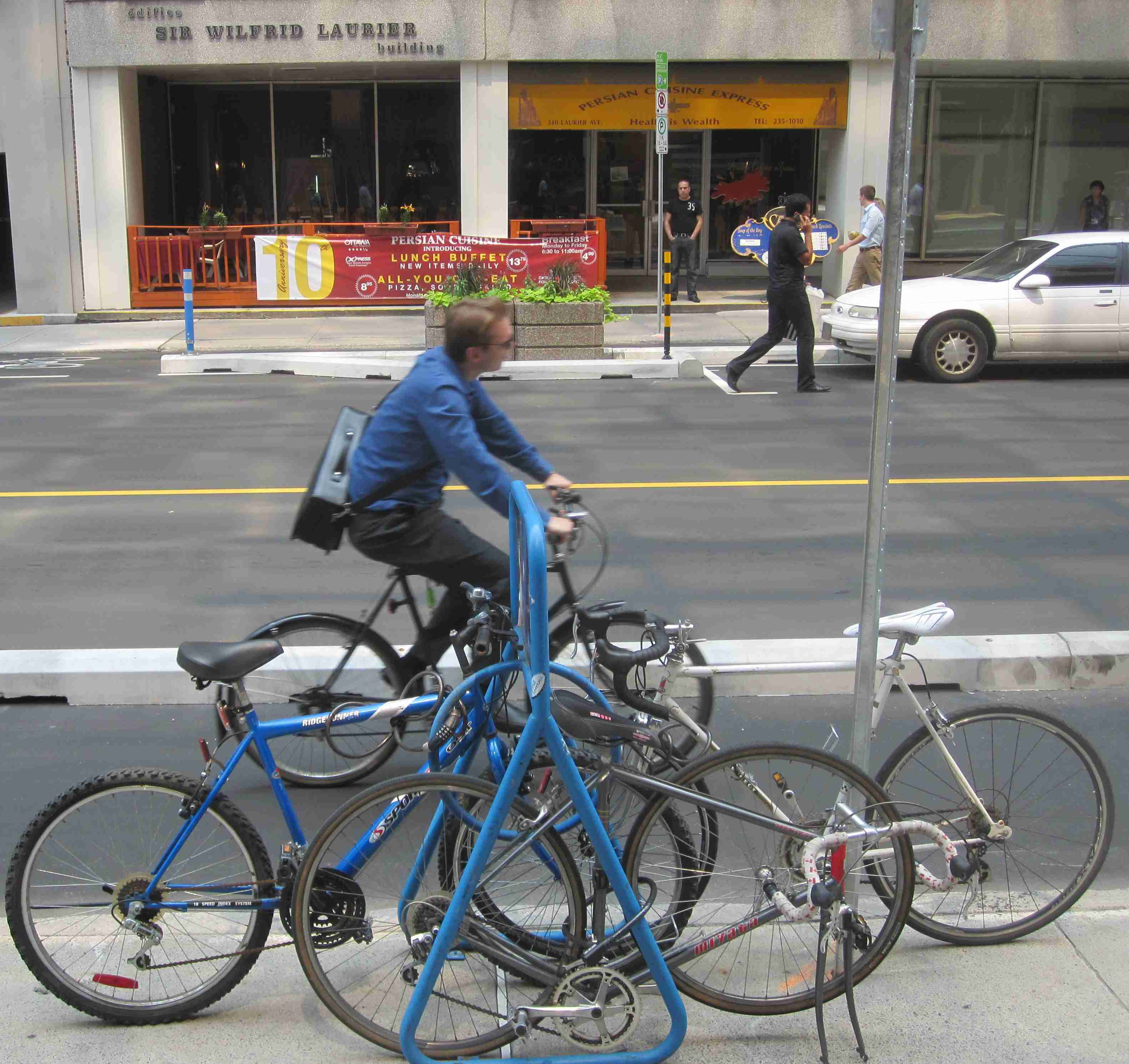 Ottawa Bicycle Culture – Persian Cuisine Express