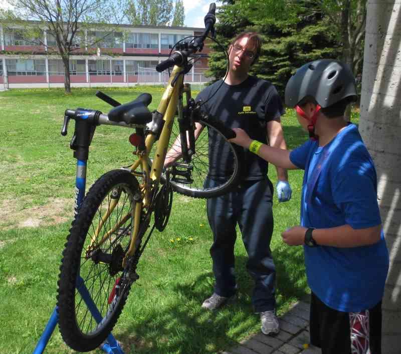 2014 05 24 Hans Moor – cycling in Ottawa 01