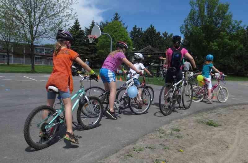2014 05 24 Hans Moor – cycling in Ottawa 02