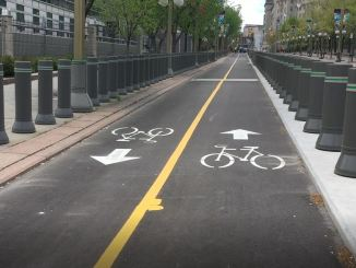 The Mackenzie bike lane seen from north towards south in front of hte US Embassy