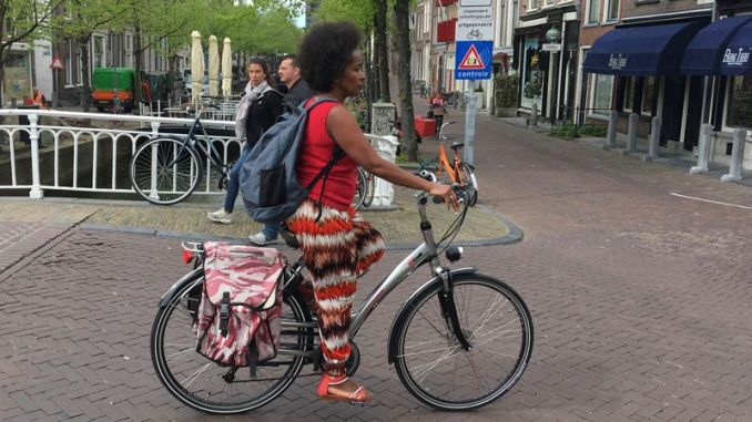 Virtually everyone cycles in the Netherlands is the impressions we have in North America. But why? We'll soon find out.