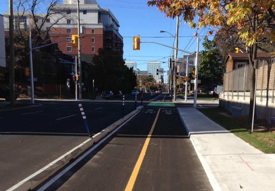 O'Connor bidirectional bike lanes