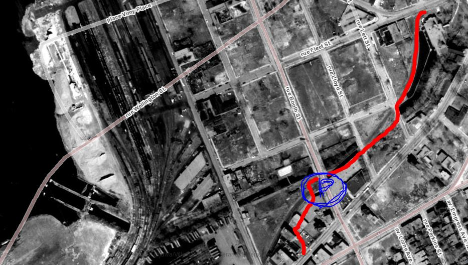 The current pathway on a 1965 aerial photo (Geomaps Ottawa). Note the large amount of railway tracks on the west side