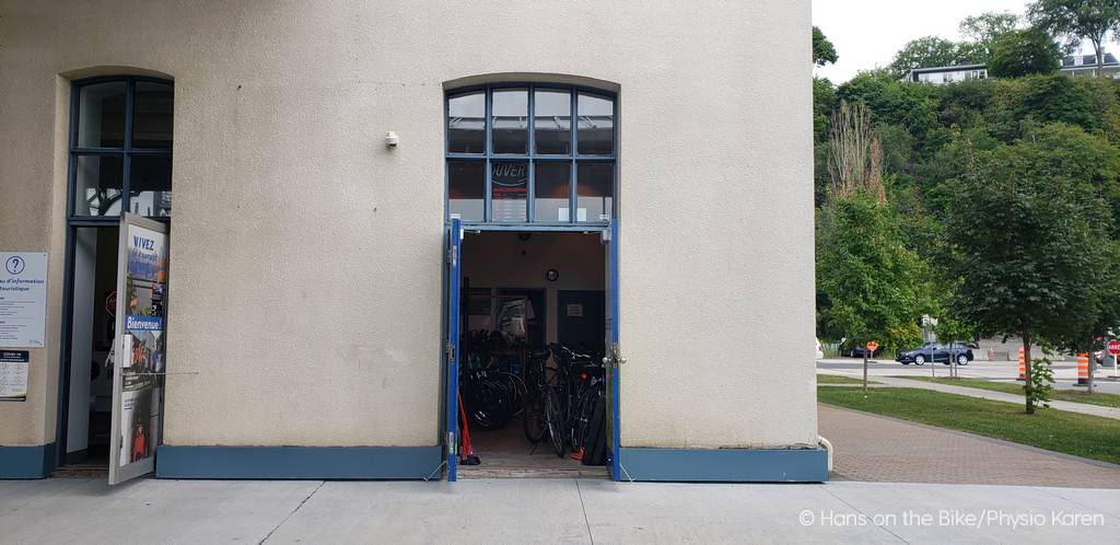 Not overly visible, but this is showing the Le Velo Vert rental location