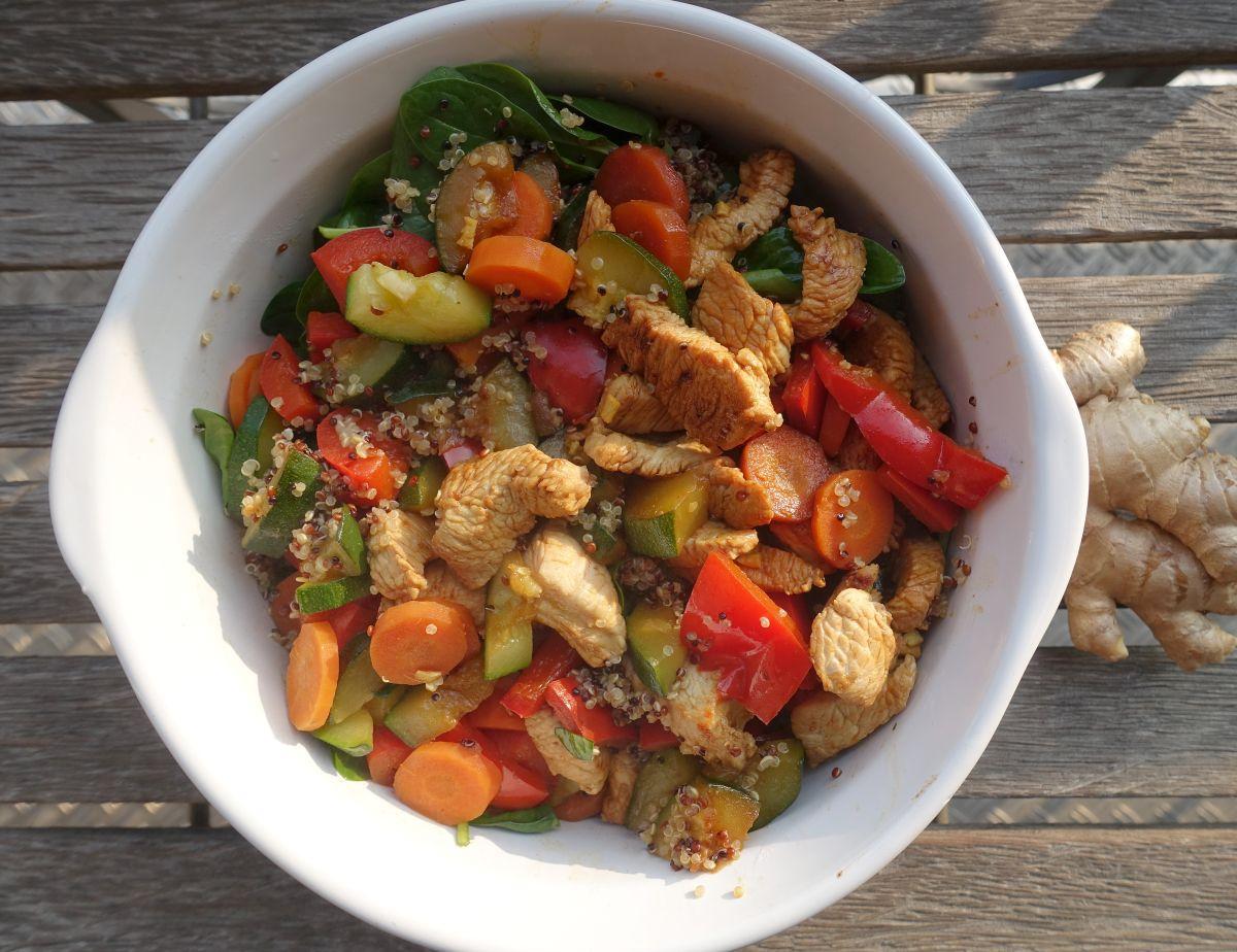 Gesundes Superfood - Quinoa Buddha Bowl