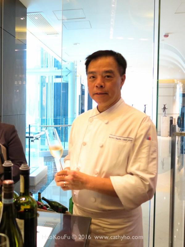 英文名為Mango的明閣主廚曾超烈師傅英文流利,也喜歡品酒小酌。