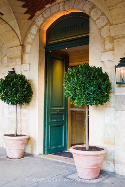 l'Ambroisie 餐廳的入口,相當低調簡約