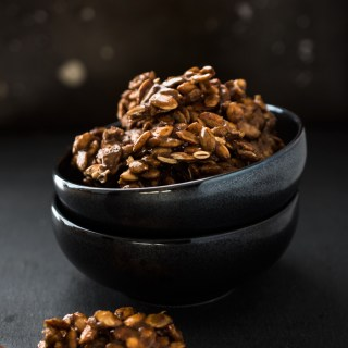 Candied Pumpkin Seed Clusters with pumpkin pie spices - great to snack on and totally delicious!