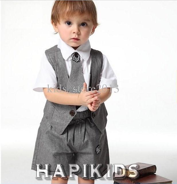 Маленький мальчик в жилете, галстук и шортики Униформа