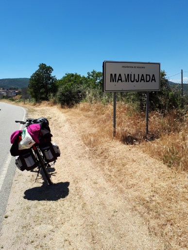 Mamujada - dosadno selo, ili ipak ne