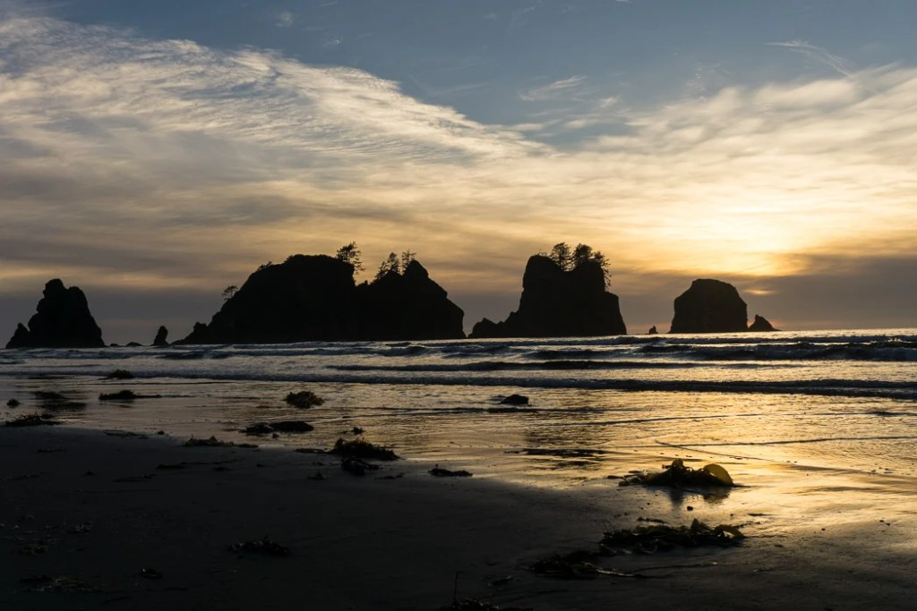 Sunset on Point of the Arches at Shi Shi Beach. A complete guide to hiking and camping at Shi Shi Beach.