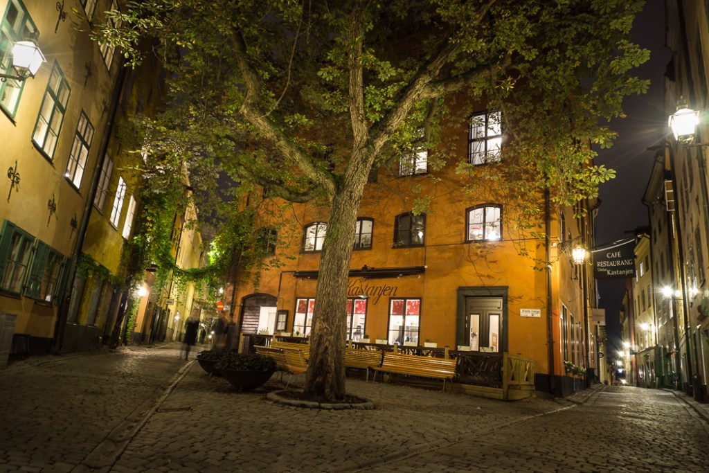 Branda Tomten square in Stockholm's old town. 30 photos of Stockholm that will inspire you to visit.